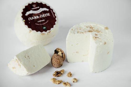 Зображення Осетинський сир з горіхами