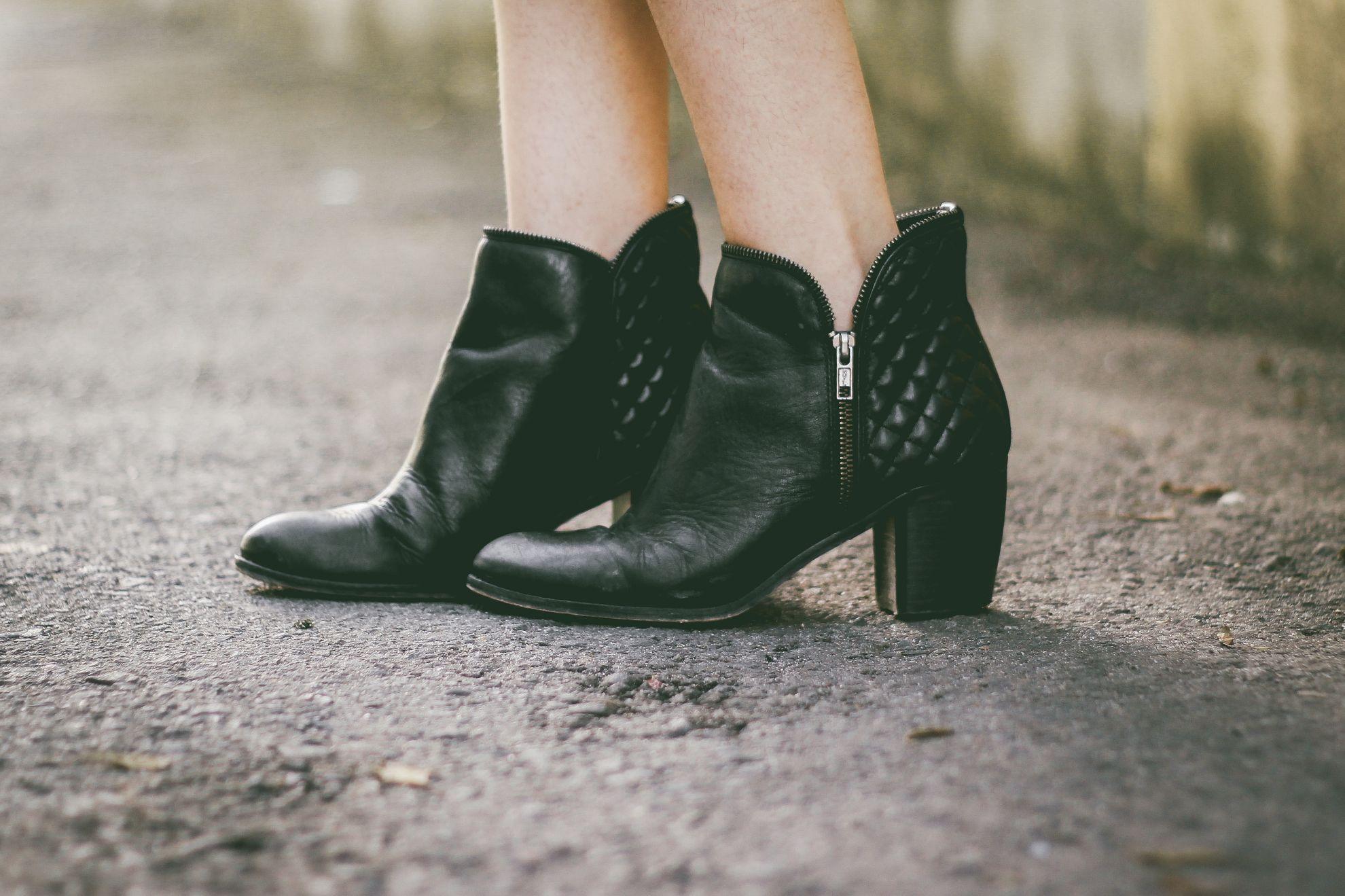 Ботильйони, черевики жіночі