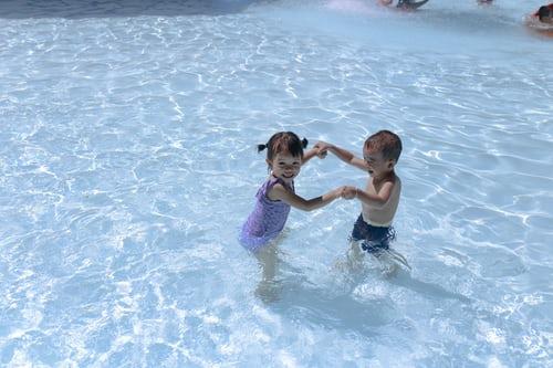 Білизна і купальники дитячі