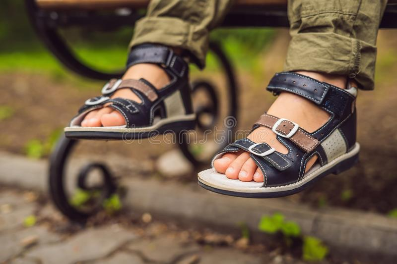 Ортопедичне дитяче та підліткове взуття