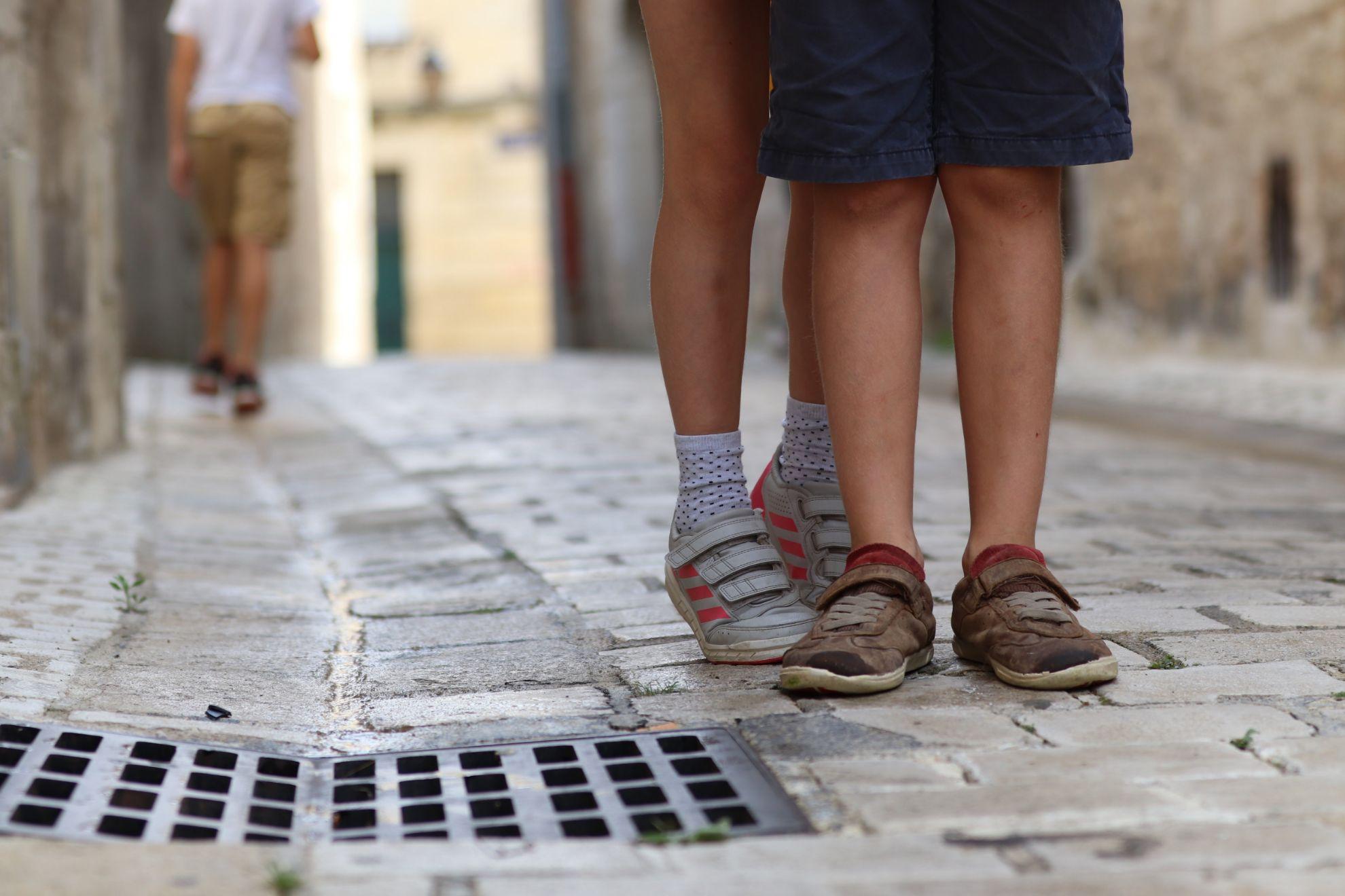 Літне дитяче та підліткове взуття