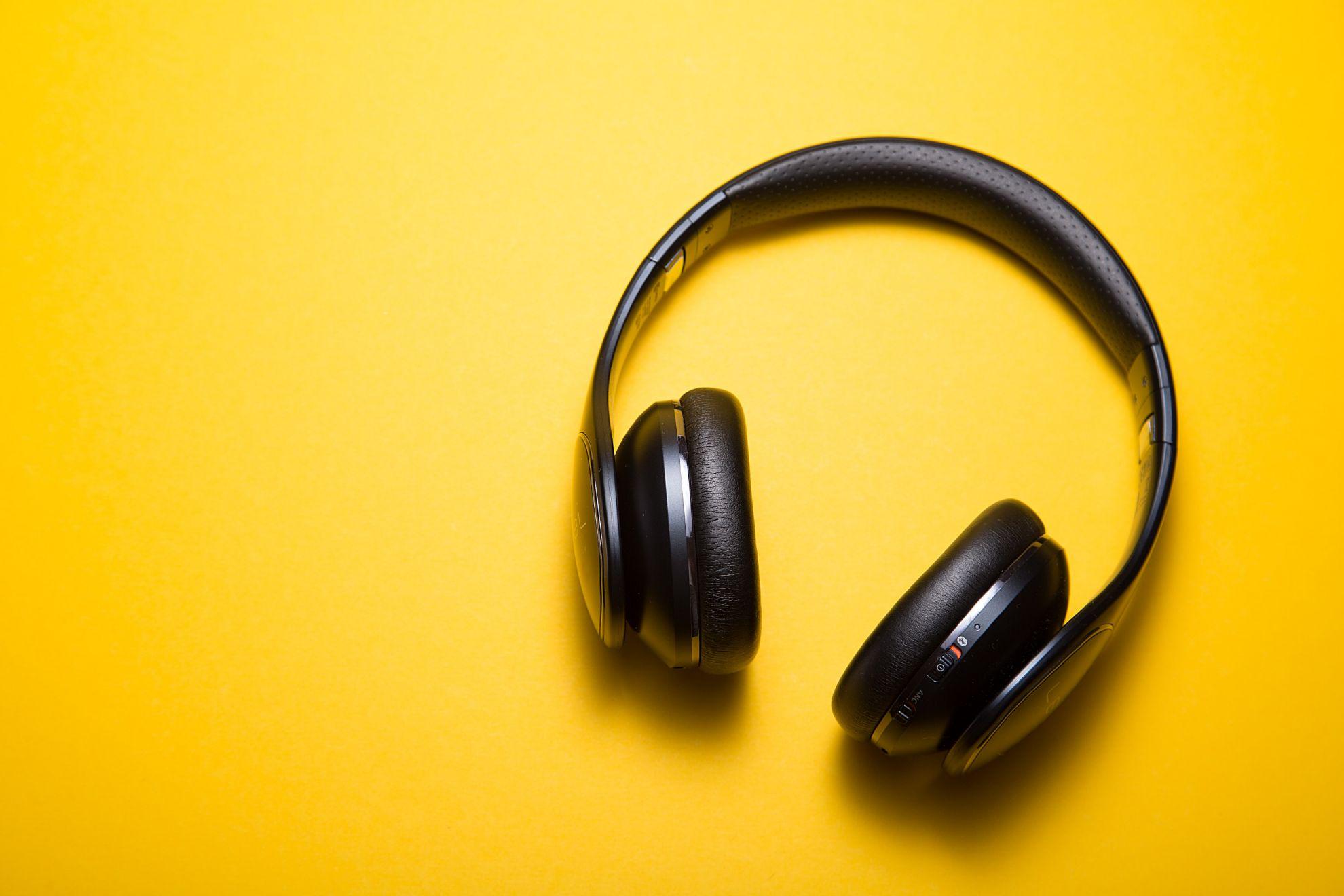 Аудіотехніка і аксесуари