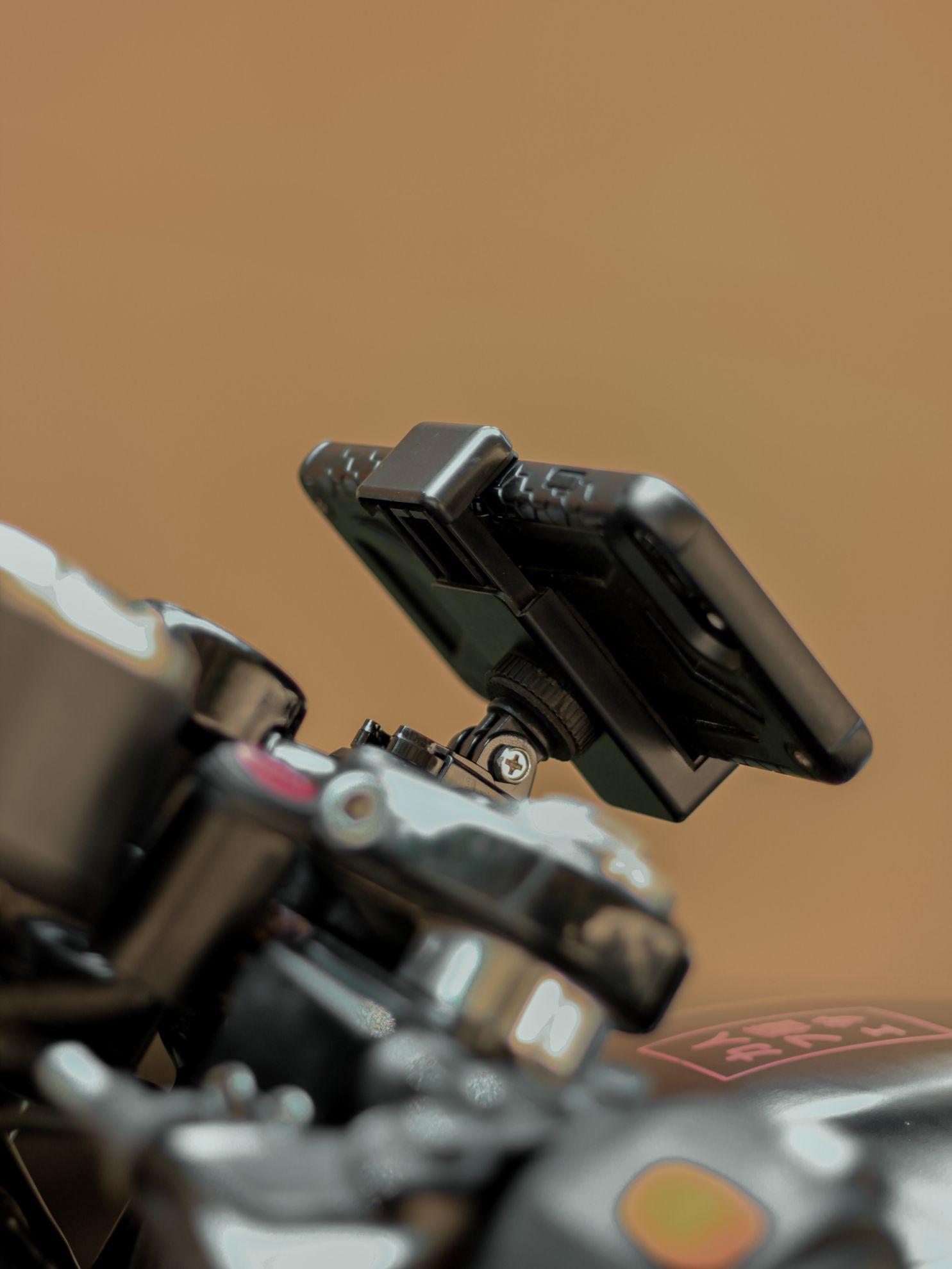 Підставки-тримачі для портативних пристроїв