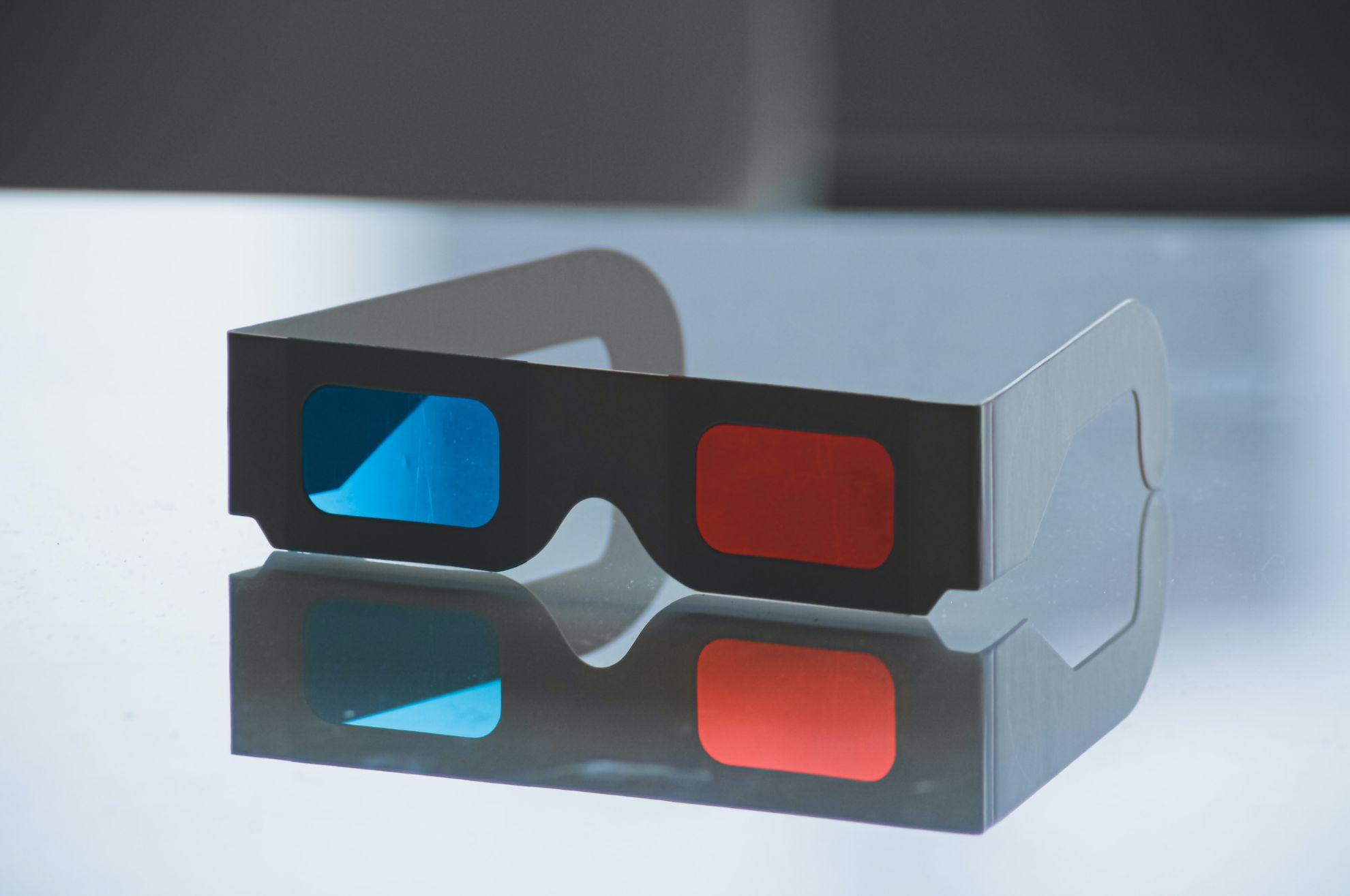 Стерео- і відео-окуляри