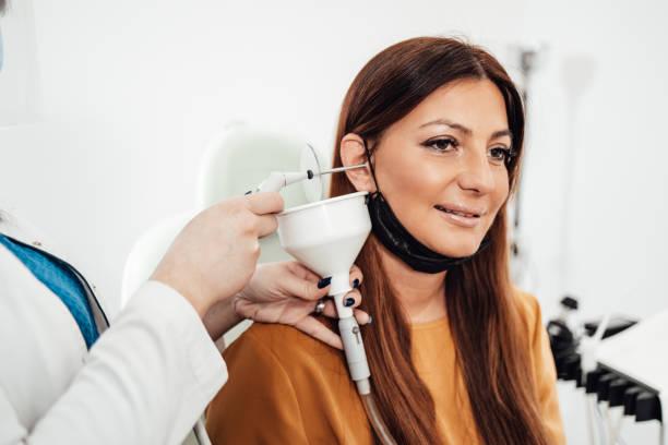 Пристрої для чищення вух