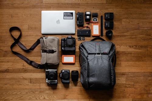 Сумки, ремені для фото-, відеокамер