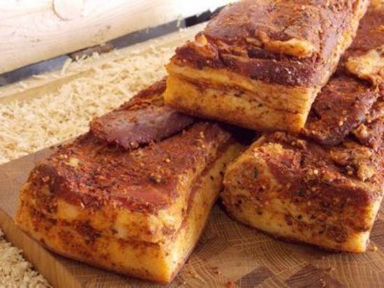 Изображение Бекон сыровяленый в ароматных специях.