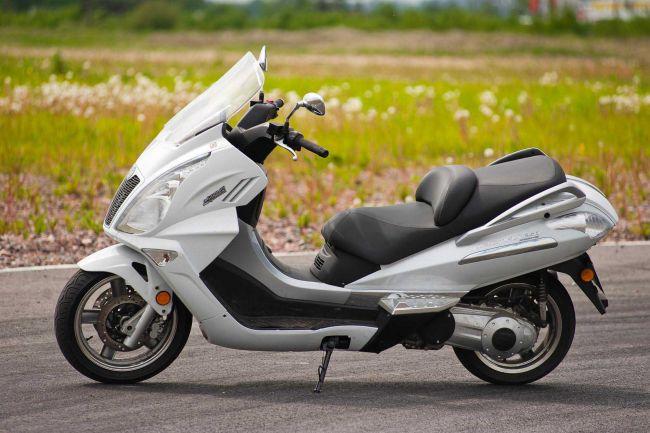 Мотоцикли, моторолери, скутери, мопеди