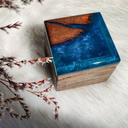 Зображення Скринька для обручок, блакитна з перламутром