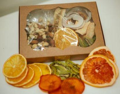 Зображення Корисний подарунок з фріпсів та горіхів